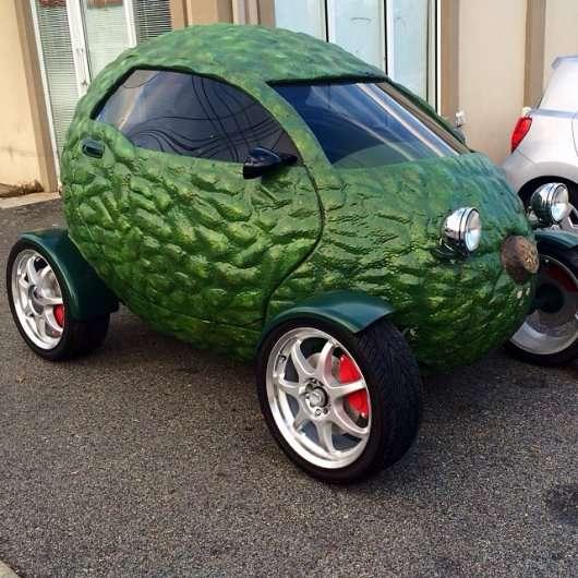 Дивні, незвичайні, нестандартні та кумедні автомобілі