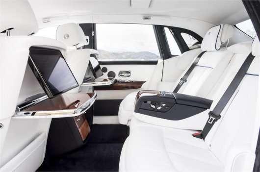 Огляд 2018 Rolls-Royce Phantom VIII