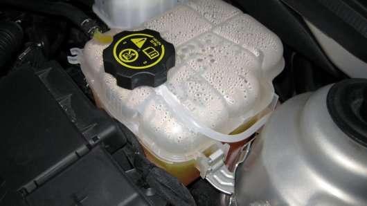 Чому охолоджуюча рідина в автомобілі дуже важлива