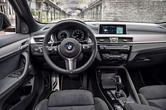 Оголошені ціни на BMW X2 в Росії, мінімум 2,2 млн рублів