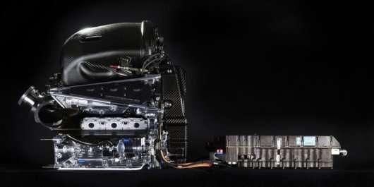 Для збільшення потужності двигуни Формула 1 спалюють моторне масло