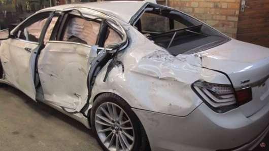 Дивіться як відновлюють після аварії BMW 7-серії