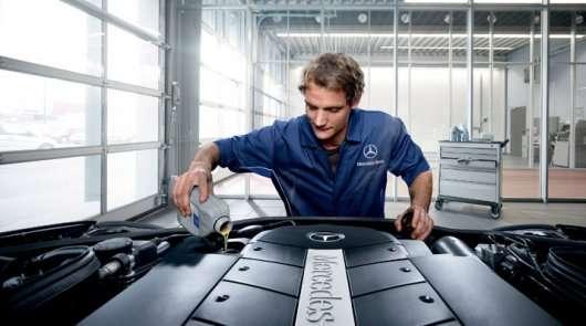 Зміна масла в двигуні: Витрати, інтервал заміни і види моторних масел