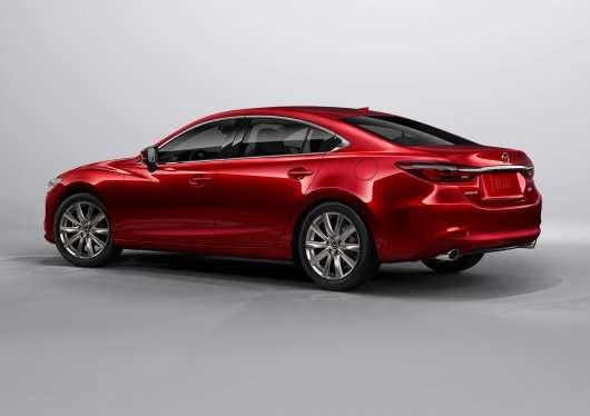 Показана рестайлінгова версія Mazda6: Офіційно