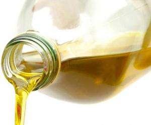 Що робити якщо в салоні машини пролилося рослинне масло