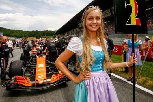 Найкрасивіші дівчата Формули-1 в сезоні 2017 року