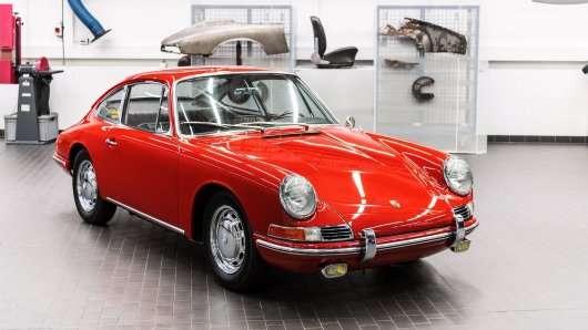 Чому Porsche 911? Історія імені спорткара.