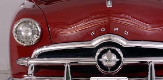 Чому на логотипі старих моделей марки Ford зображувалися три лева