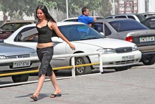 Президент Туркменістану заборонив жінкам водити автомобіль