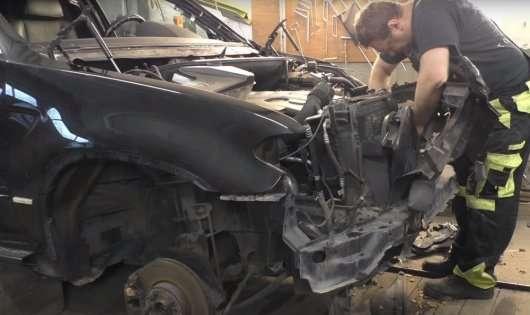 Відновлення дуже сильно битого BMW X5 в ідеал: Відео