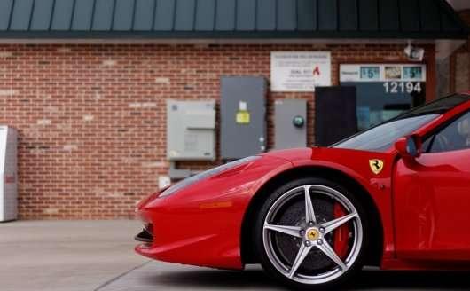 Які витрати чекають покупця розкішного уживаного автомобіля
