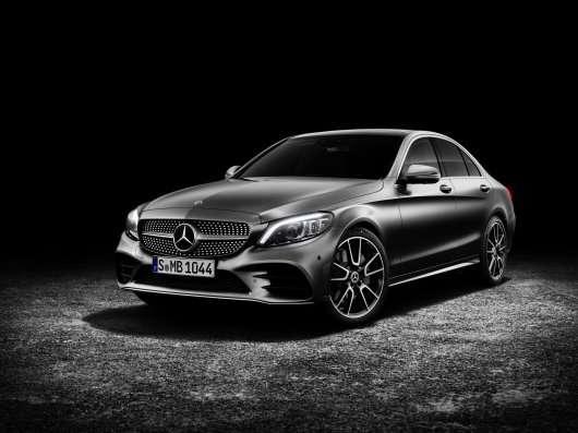 Mercedes показав оновлений 2019 C-Class, він став технологічніше