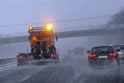 Як сніг і лід шкодять автомобілю