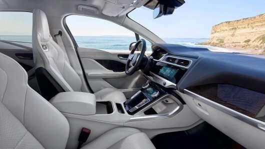 Jaguar показав перший електричний кросовер I-Pace: Подробиці