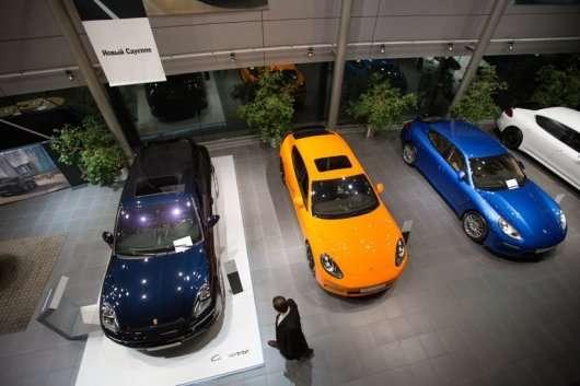 Автомобілі яких кольорів найвигідніше продавати на старому ринку